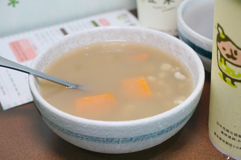 DSC01649 - 熱血採訪|豆桑綠豆湯|台中綠豆湯推薦,每天現煮現熬,品質講究,夏天清涼消暑剛剛好,綠豆湯激推,懶人來杯綠豆冰沙阿~(已歇業)