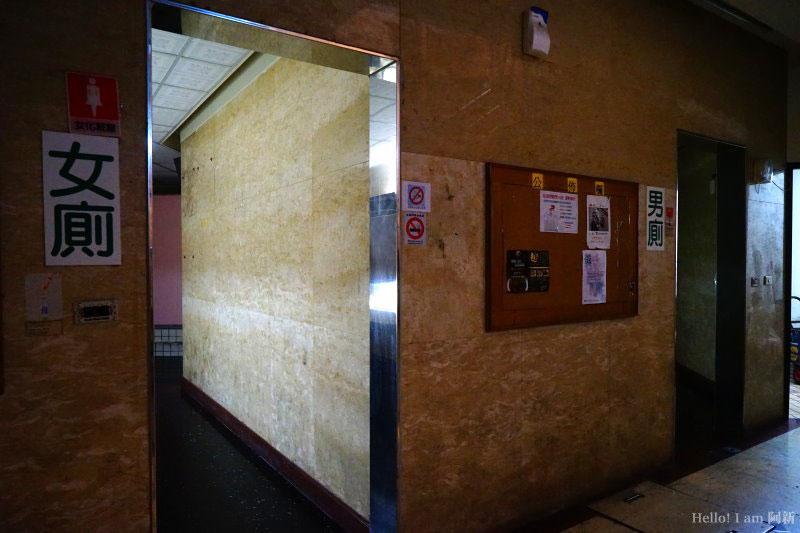 逢甲廁所-11