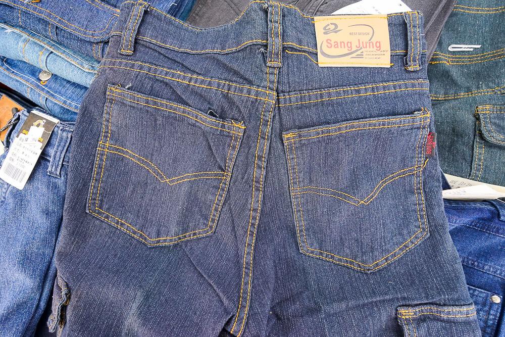 台中大里萬件牛仔褲特賣會-17