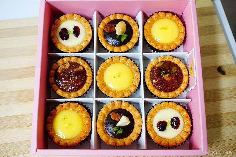 DSC01111 - 熱血採訪│卷卷蛋糕,宅配美食來囉!直擊卷卷蛋糕製作外,更有戚風蛋糕、Kinfolk綜合塔禮盒、艾黛許珍寶禮盒及季節限定:草莓塔~~