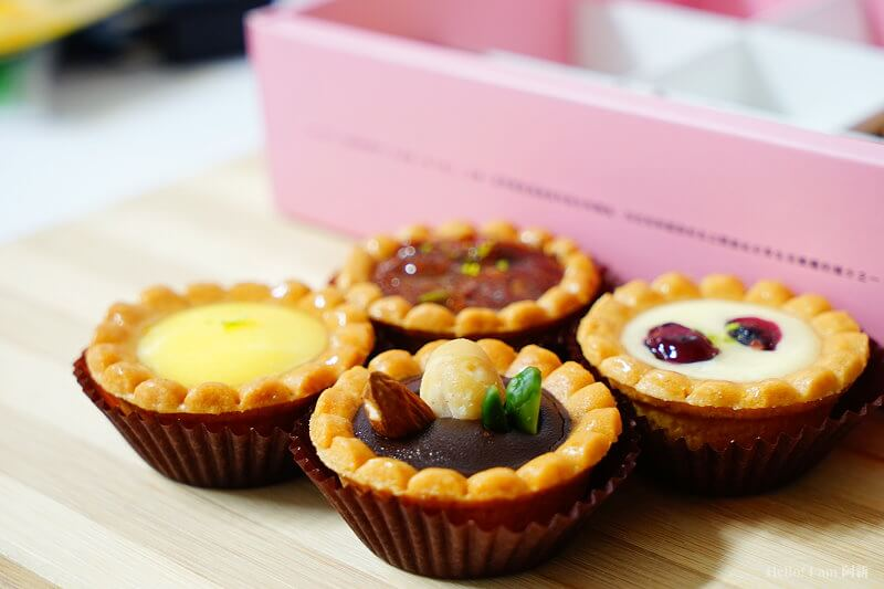 DSC01115 - 熱血採訪│卷卷蛋糕,宅配美食來囉!直擊卷卷蛋糕製作外,更有戚風蛋糕、Kinfolk綜合塔禮盒、艾黛許珍寶禮盒及季節限定:草莓塔~~