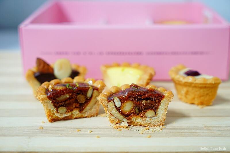 DSC01169 - 熱血採訪│卷卷蛋糕,宅配美食來囉!直擊卷卷蛋糕製作外,更有戚風蛋糕、Kinfolk綜合塔禮盒、艾黛許珍寶禮盒及季節限定:草莓塔~~