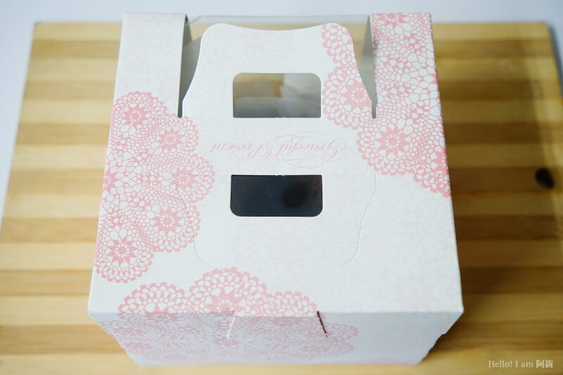 DSC01172 - 熱血採訪│卷卷蛋糕,宅配美食來囉!直擊卷卷蛋糕製作外,更有戚風蛋糕、Kinfolk綜合塔禮盒、艾黛許珍寶禮盒及季節限定:草莓塔~~