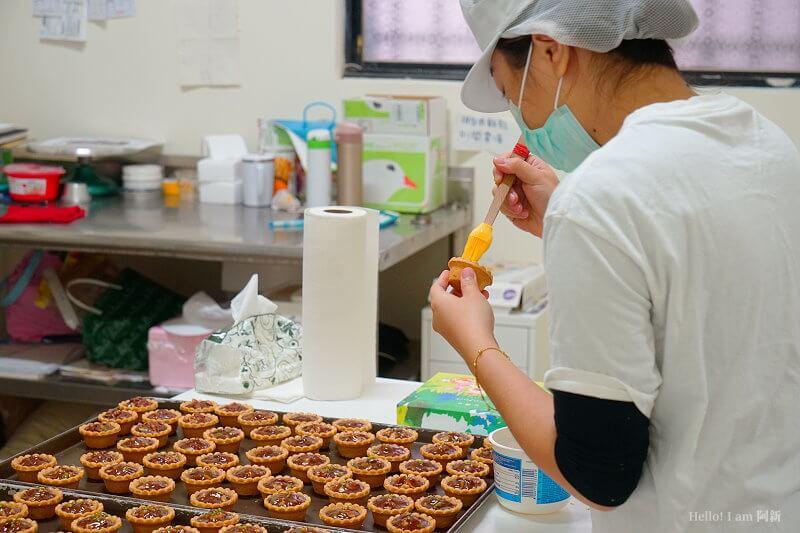 DSC08848 - 熱血採訪│卷卷蛋糕,宅配美食來囉!直擊卷卷蛋糕製作外,更有戚風蛋糕、Kinfolk綜合塔禮盒、艾黛許珍寶禮盒及季節限定:草莓塔~~