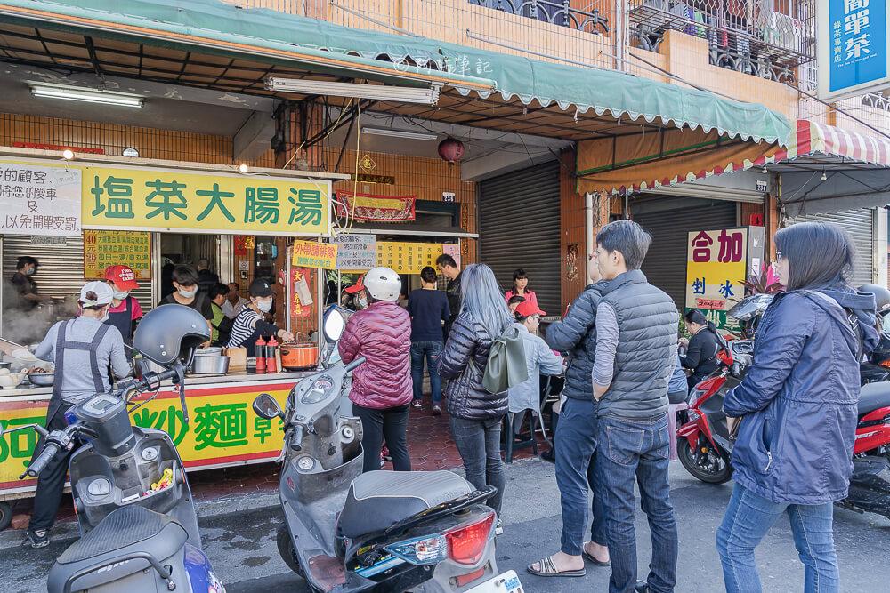 DSC06563 - 阿成炒麵|大里人氣早餐排隊好狂,一開店就一堆人,炒麵很厲害啊~