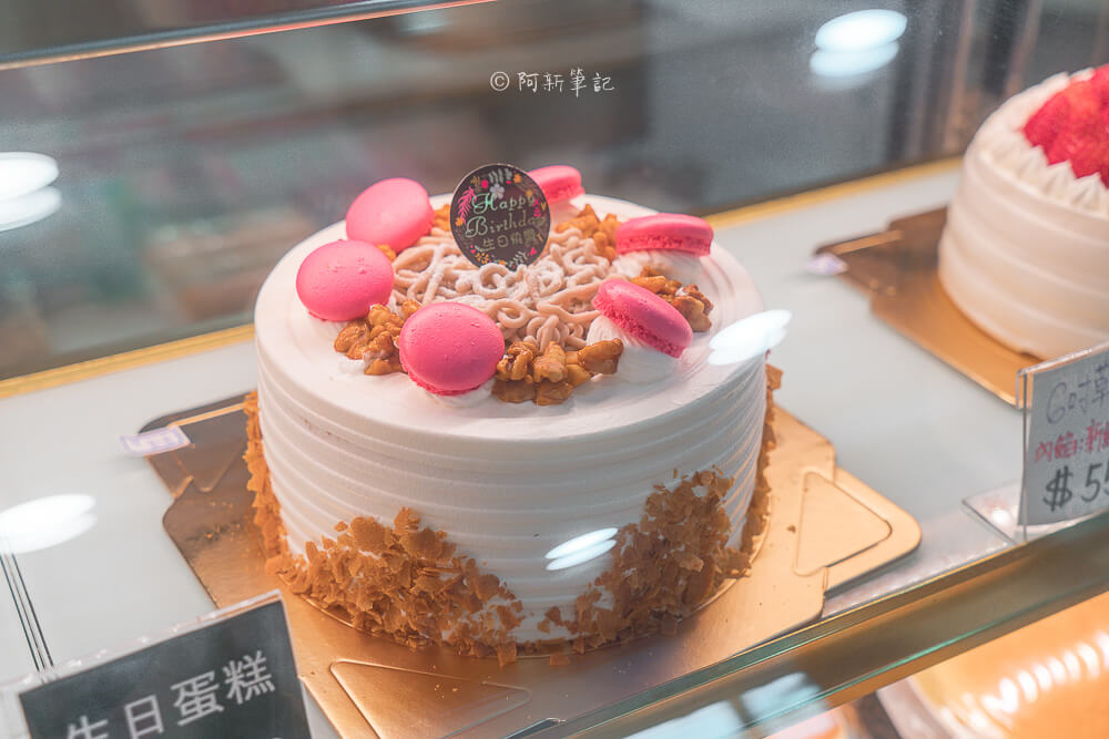 DSC07830 - 東格蛋糕製造所│隱藏忠孝路低調蛋糕店,竟然有賣古早味蛋糕!但我更推薦芋頭蛋糕~