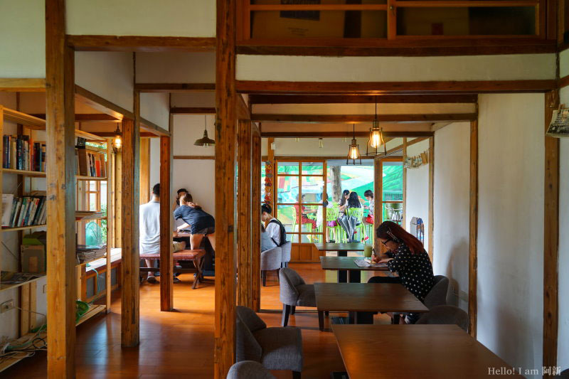 凹凸咖啡館-09
