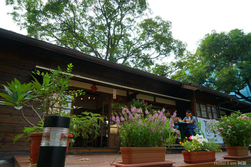 凹凸咖啡館-03