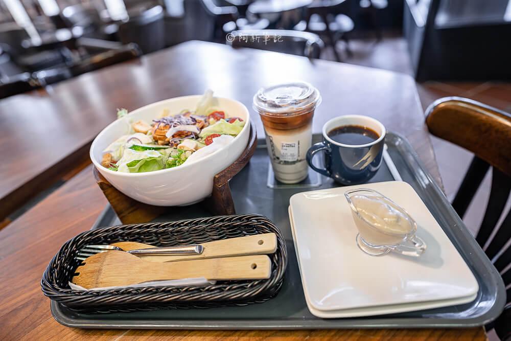 DSC09861 - 卡啡那大墩店|寬敞空間、舒適環境,這間台中咖啡館人潮實在有夠誇張的多,假日一位難求...