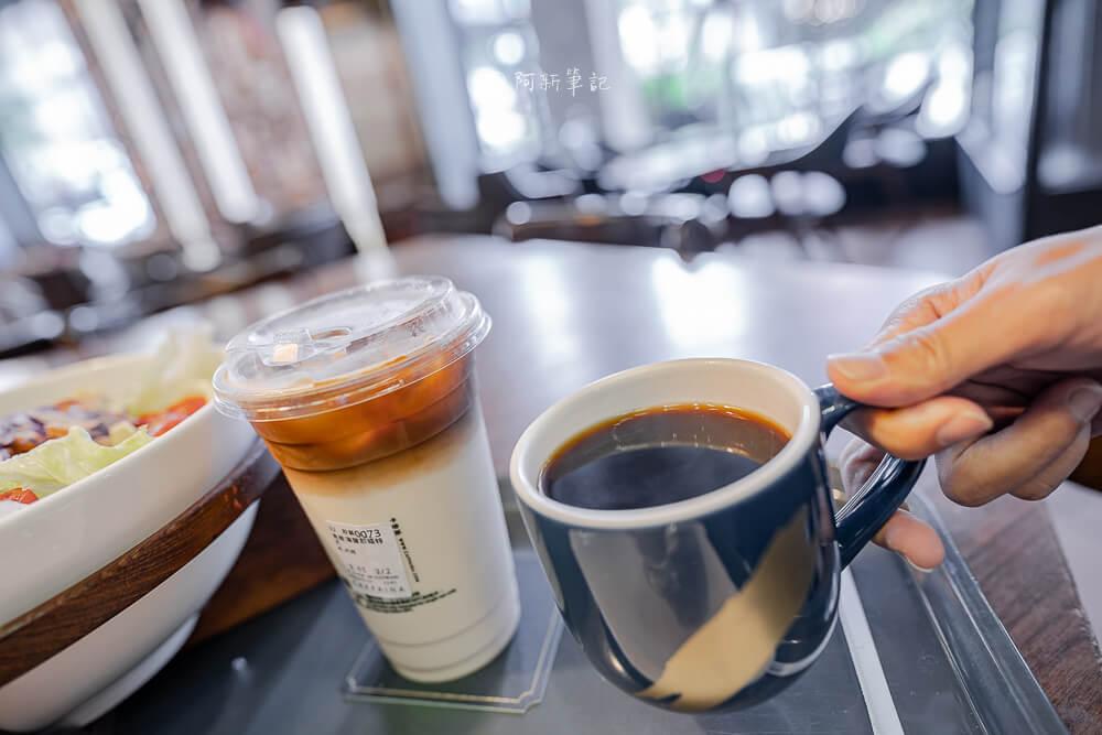 DSC09870 - 卡啡那大墩店|寬敞空間、舒適環境,這間台中咖啡館人潮實在有夠誇張的多,假日一位難求...