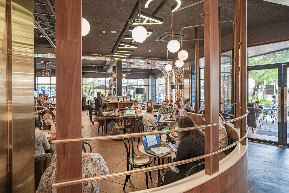 DSC09884 - 卡啡那大墩店|寬敞空間、舒適環境,這間台中咖啡館人潮實在有夠誇張的多,假日一位難求...