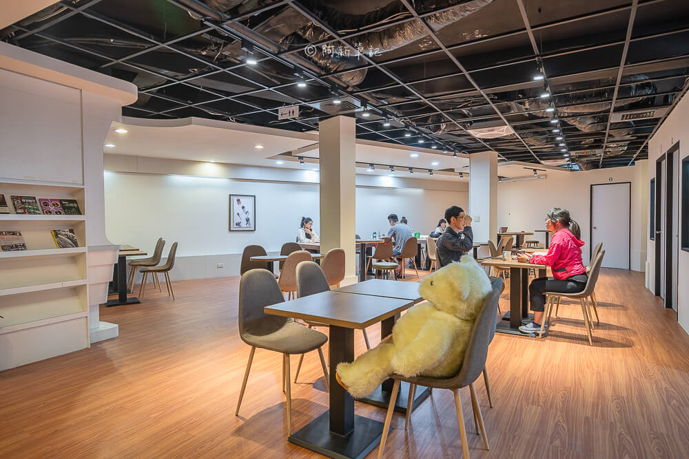 DSC03729 - 熱血採訪│路易莎咖啡西屯文心旗艦店,寬敞空間兼具商務中心!咖啡好喝、餐點也平易近人