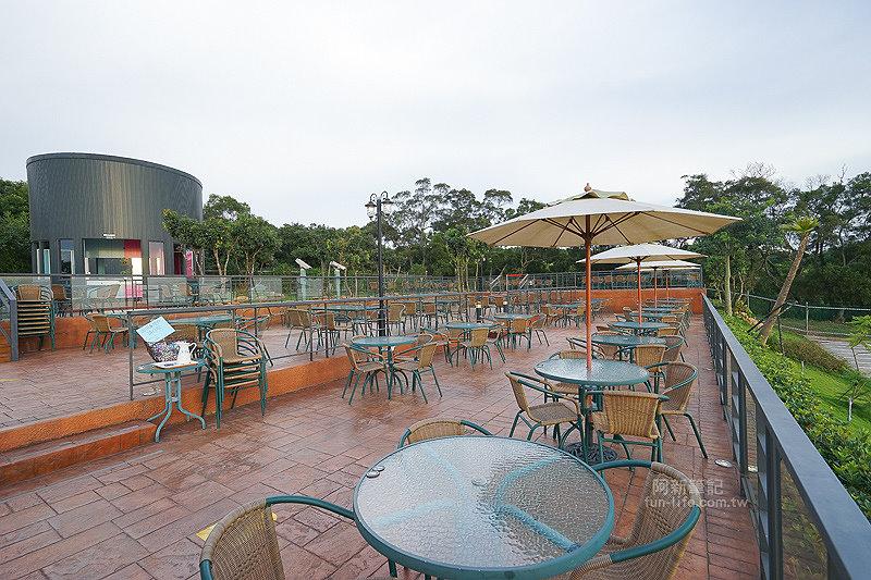 DSC03510 - 【熱血採訪】望景咖啡|台中夜景咖啡館,從夕陽看到夜景,室內、戶外座位多又寬廣,餐點多又豐富,推薦情侶、聯誼活動阿~