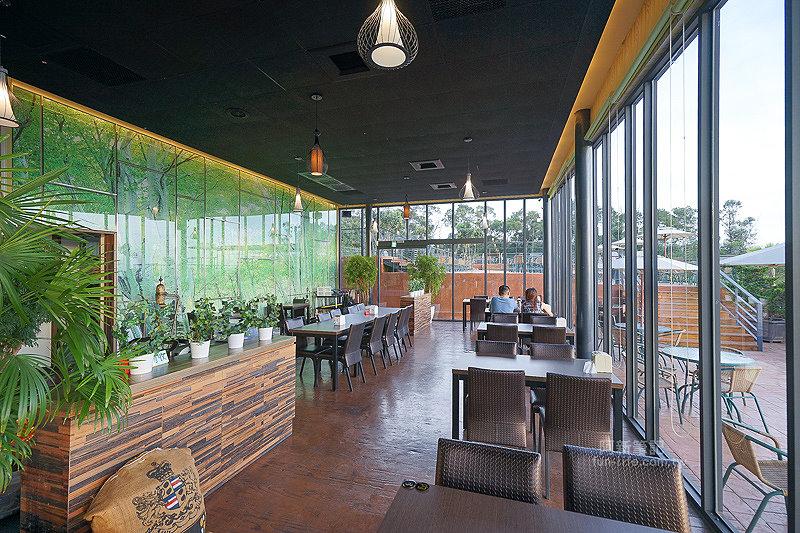 DSC03542 - 【熱血採訪】望景咖啡|台中夜景咖啡館,從夕陽看到夜景,室內、戶外座位多又寬廣,餐點多又豐富,推薦情侶、聯誼活動阿~