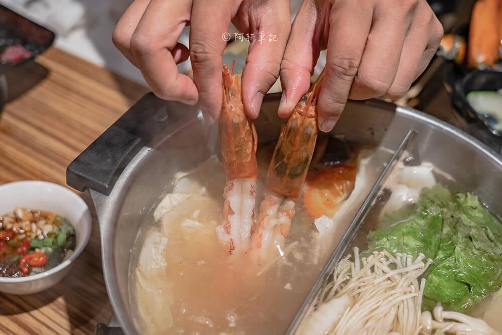 DSC08671 - 熱血採訪│菁選涮涮鍋永春店新開幕,雙人痛風餐直接兩隻活龍蝦不囉嗦,還有其他海鮮更是吃爽爽