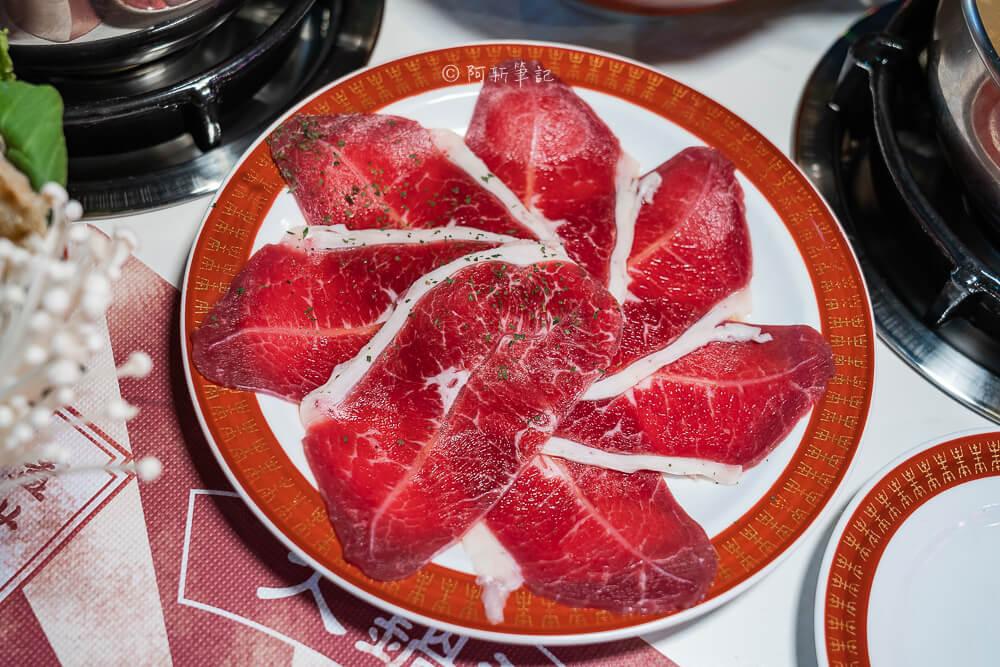 DSC01971 - 熱血採訪│港動吃鍋進軍老虎城,舊式復古香港味飄台中,第一次在茶餐廳吃鍋物,這裡太好拍