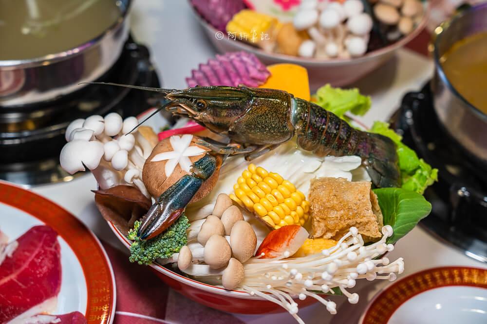 DSC01992 - 熱血採訪│港動吃鍋進軍老虎城,舊式復古香港味飄台中,第一次在茶餐廳吃鍋物,這裡太好拍