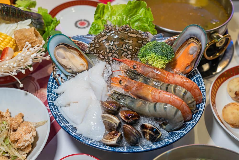 DSC02058 - 熱血採訪│港動吃鍋進軍老虎城,舊式復古香港味飄台中,第一次在茶餐廳吃鍋物,這裡太好拍
