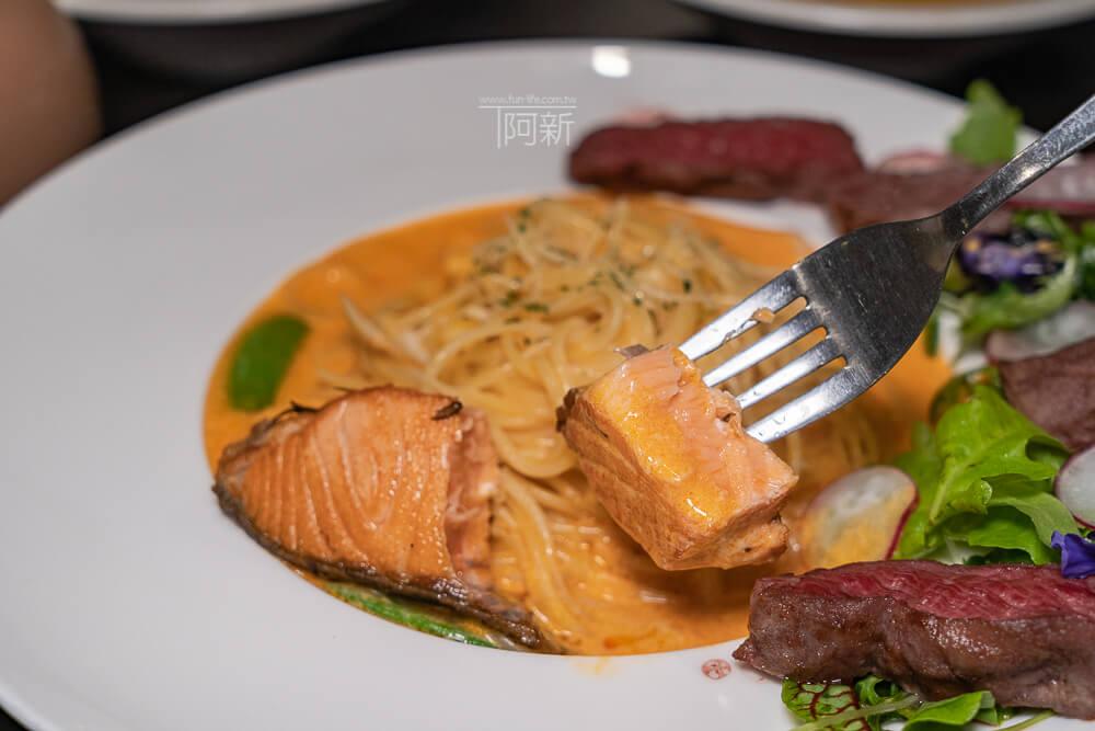 DSC09376 - 熱血採訪│台中科博館餐高沐手作料理餐廳新菜單來啦!鮭魚、菲力牛一次雙重奏,美味又滿足