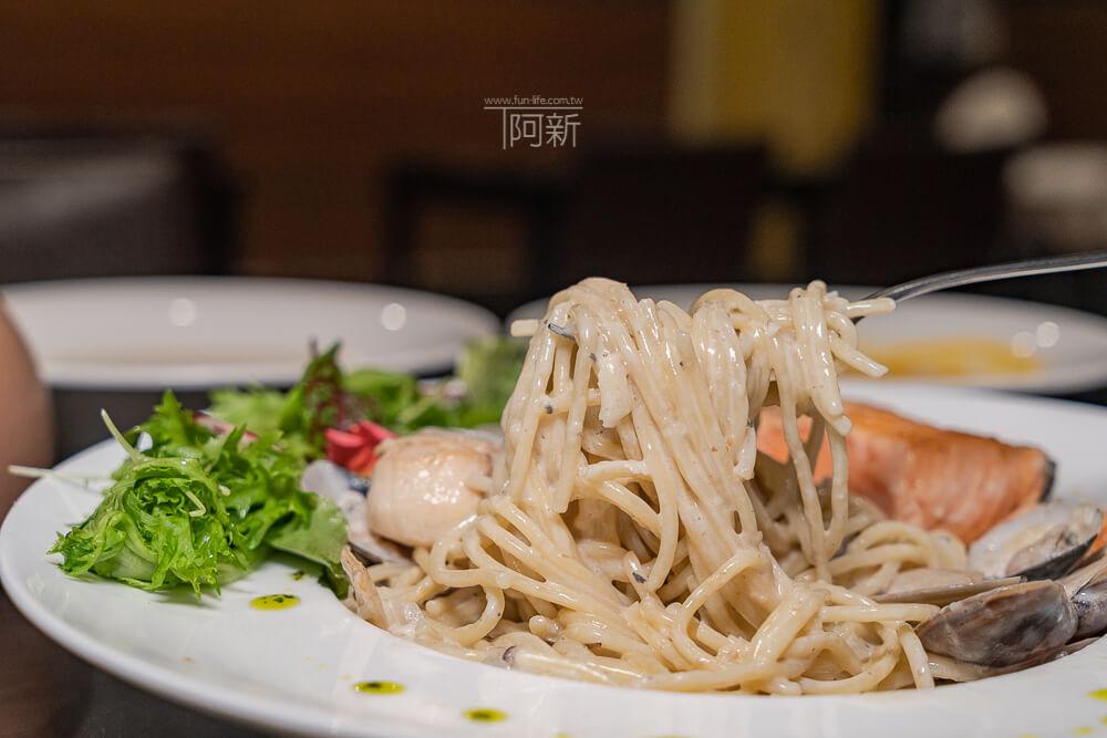 DSC09420 - 熱血採訪│台中科博館餐高沐手作料理餐廳新菜單來啦!鮭魚、菲力牛一次雙重奏,美味又滿足