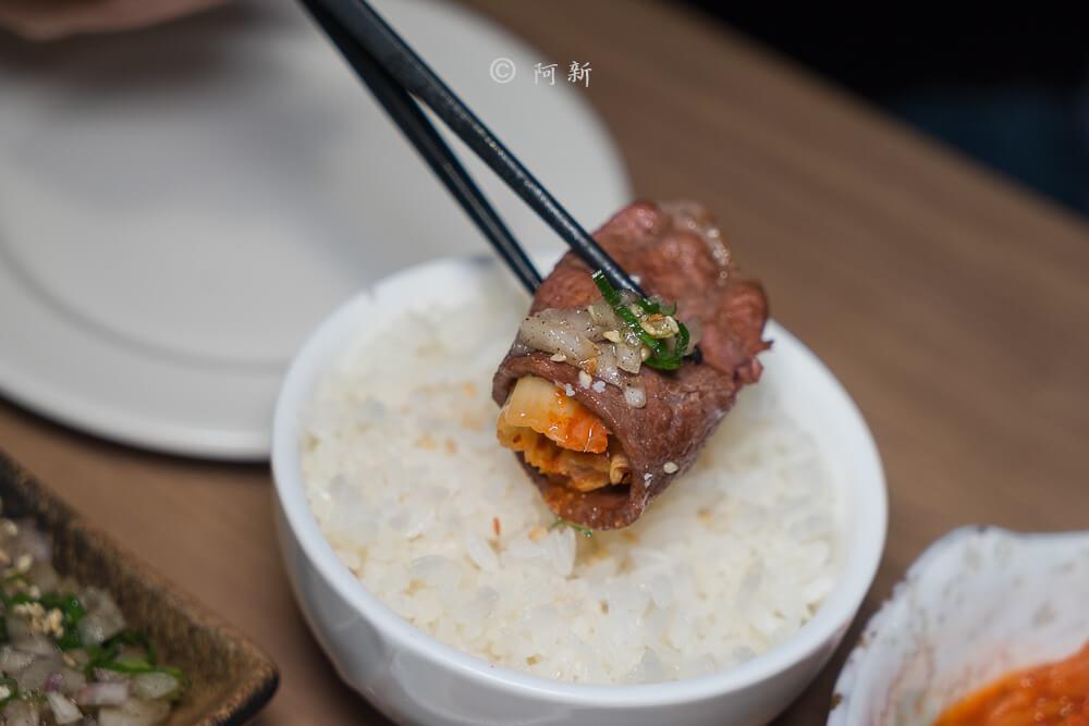 DSC04100 - 熱血採訪│雲火日式燒肉,整個牛肉盤份量好驚人啊!冒著白煙就很華麗,好適合約會慶祝!