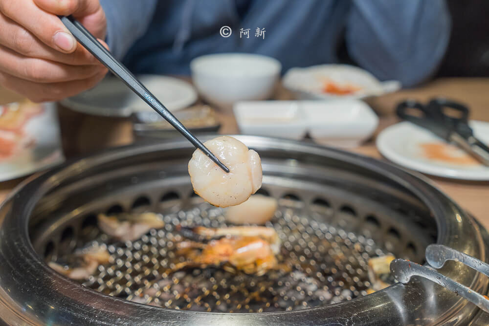 DSC04270 - 熱血採訪│雲火日式燒肉,整個牛肉盤份量好驚人啊!冒著白煙就很華麗,好適合約會慶祝!