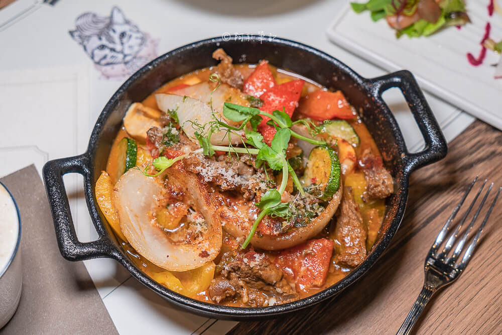 DSC07829 - 熱血採訪│貓王經典排餐,歐洲經典名菜都在這!台中也能吃得到
