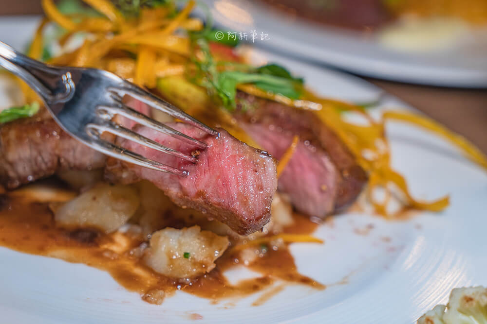 DSC07914 - 熱血採訪│貓王經典排餐,歐洲經典名菜都在這!台中也能吃得到