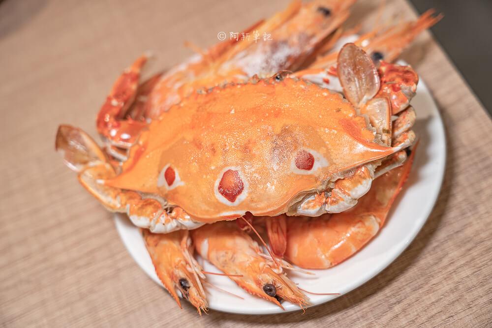 DSC02619 - 熱血採訪│發票換龍蝦?太平這間火鍋也太狂!我們3人就換了60尾晶鑽蝦