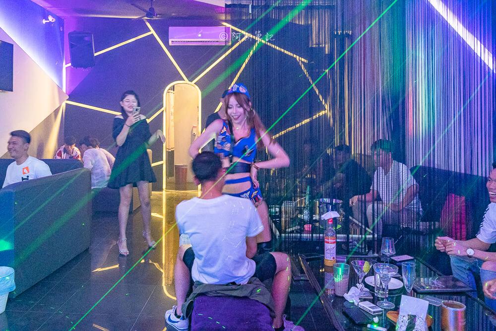 皇后酒吧,台中皇后酒吧,東海皇后酒吧,東海酒吧,台中酒吧,台中宵夜,東海宵夜