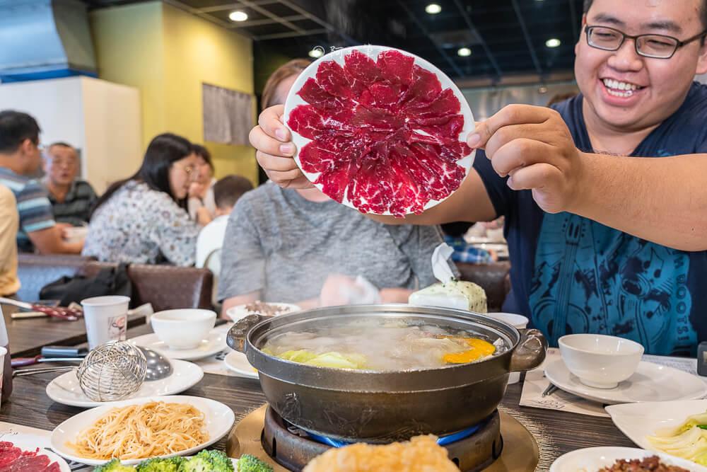 DSC00930 - 尚牛二館|台中牛肉湯推薦,南部溫體牛新鮮直送超好吃,一定要翻盤子!