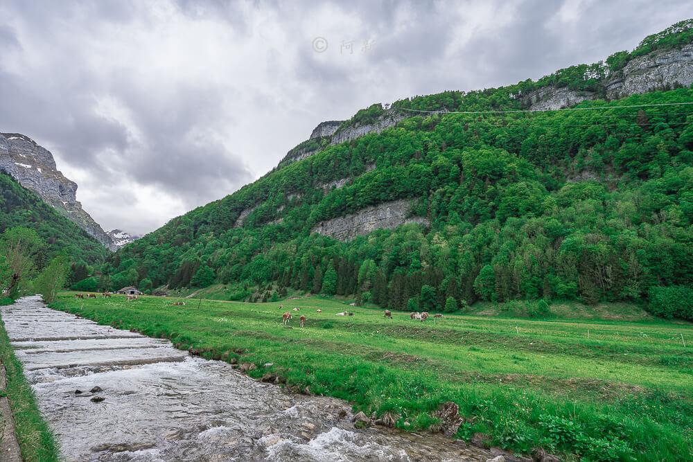 Berggasthaus Aescher,瑞士懸崖餐廳Berggasthaus Aescher Wildkirchli,瑞士懸崖餐廳,Berggasthaus Aescher Wildkirchli,瑞士山崖餐廳-03