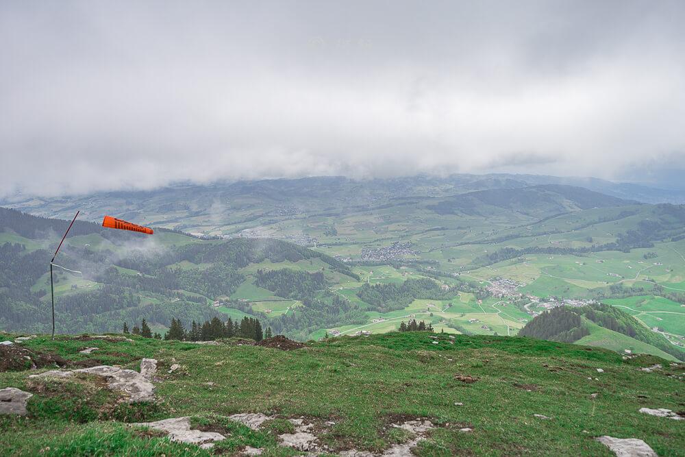 Berggasthaus Aescher,瑞士懸崖餐廳Berggasthaus Aescher Wildkirchli,瑞士懸崖餐廳,Berggasthaus Aescher Wildkirchli,瑞士山崖餐廳-18