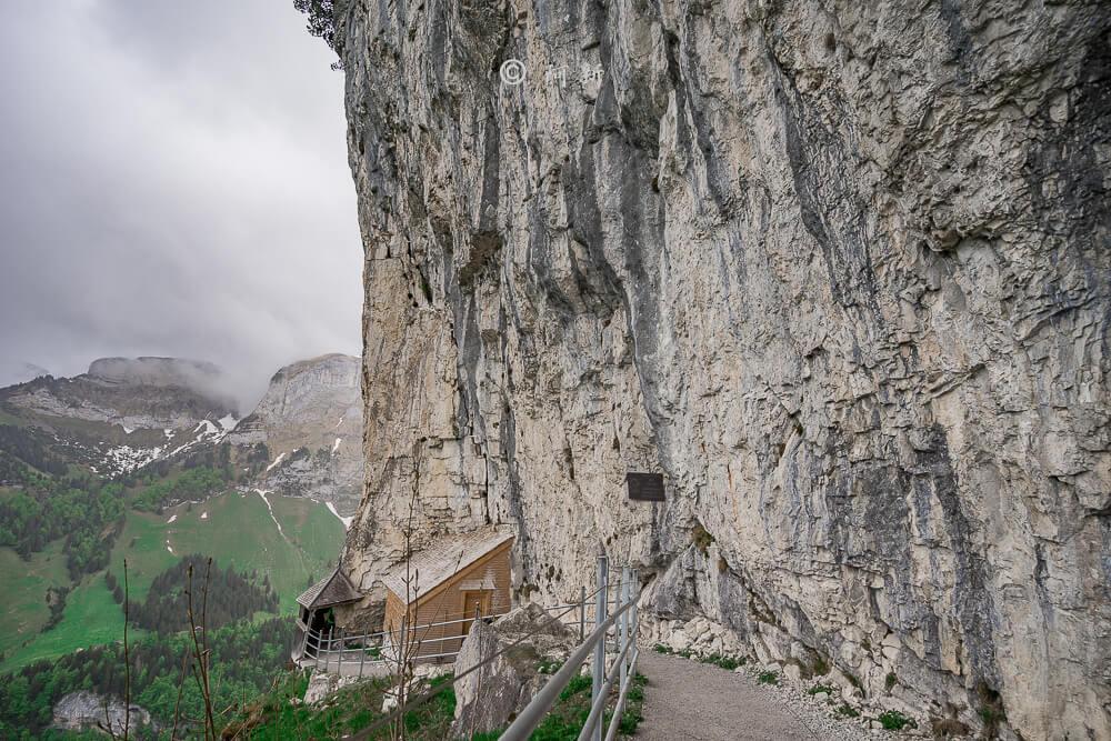 Berggasthaus Aescher,瑞士懸崖餐廳Berggasthaus Aescher Wildkirchli,瑞士懸崖餐廳,Berggasthaus Aescher Wildkirchli,瑞士山崖餐廳-29