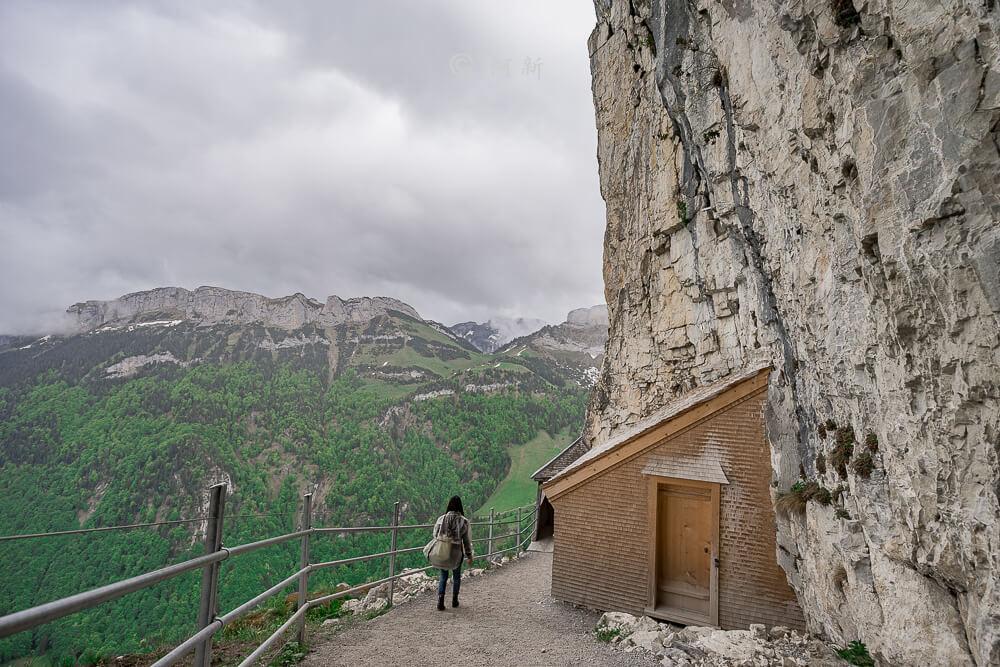 Berggasthaus Aescher,瑞士懸崖餐廳Berggasthaus Aescher Wildkirchli,瑞士懸崖餐廳,Berggasthaus Aescher Wildkirchli,瑞士山崖餐廳-31