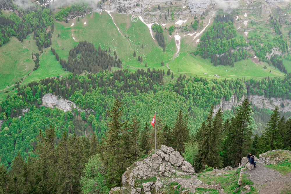 Berggasthaus Aescher,瑞士懸崖餐廳Berggasthaus Aescher Wildkirchli,瑞士懸崖餐廳,Berggasthaus Aescher Wildkirchli,瑞士山崖餐廳-34