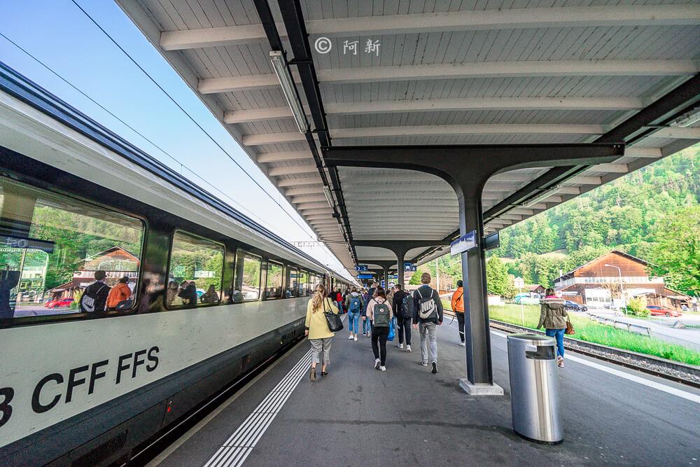 雪朗峰,schilthorn,雪朗峰天空步道,schilthorn纜車,雪朗峰天氣,schilthorn price,雪朗峰票價,雪朗峰纜車時刻表,schilthorn weather,雪朗峰schilthorn交通,瑞士雪朗峰天氣,瑞士自由行,瑞士旅遊-02